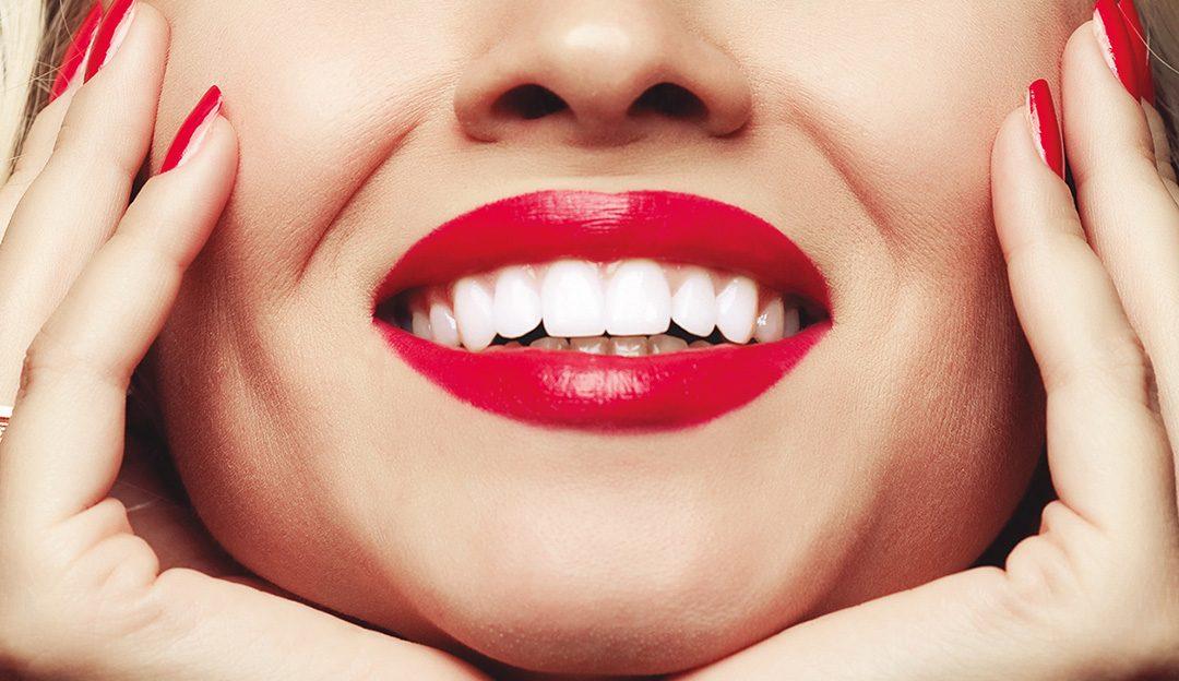 Il bianco illumina, la bellezza dello sbiancamento dentale
